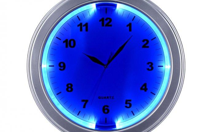 Часы настенные с подсветкой серебряный 325436001.15